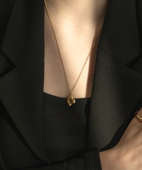 Melting necklace (gold)